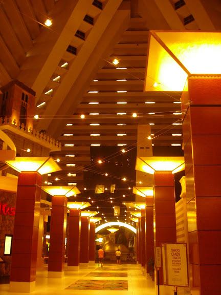 Отель Luxor hotel и Casino, Las Vegas - Пожить в пирамиде. 55699
