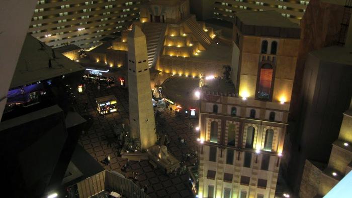 Отель Luxor hotel и Casino, Las Vegas - Пожить в пирамиде. 87923