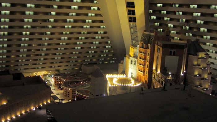 Отель Luxor hotel и Casino, Las Vegas - Пожить в пирамиде. 22053