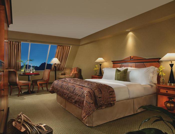 Отель Luxor hotel и Casino, Las Vegas - Пожить в пирамиде. 75576