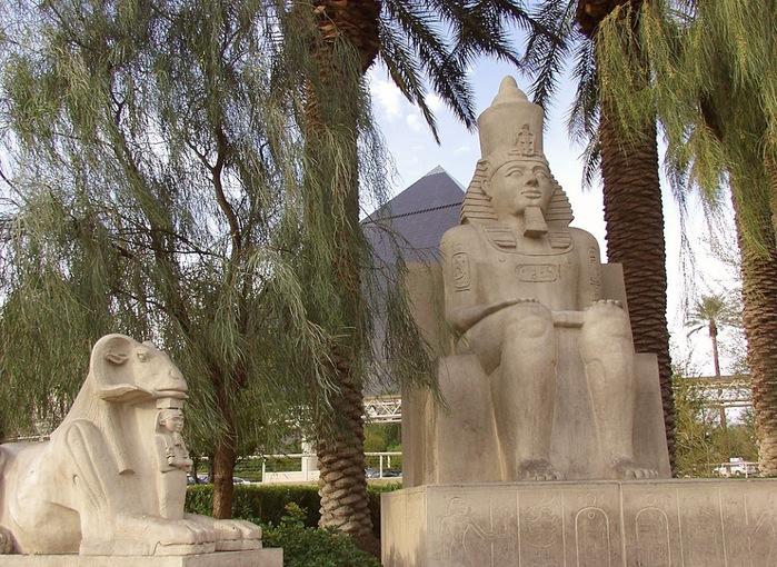 Отель Luxor hotel и Casino, Las Vegas - Пожить в пирамиде. 91722