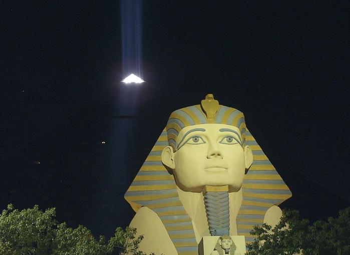 Отель Luxor hotel и Casino, Las Vegas - Пожить в пирамиде. 48657