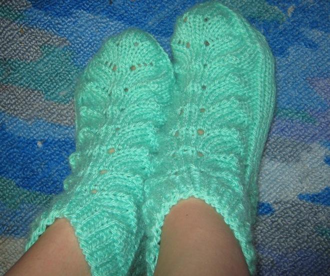 Схема вязания спицами ажурных носков