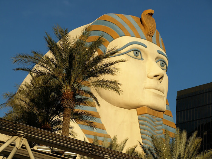 Отель Luxor hotel и Casino, Las Vegas - Пожить в пирамиде. 96691