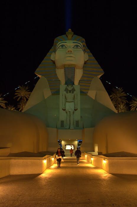 Отель Luxor hotel и Casino, Las Vegas - Пожить в пирамиде. 78953