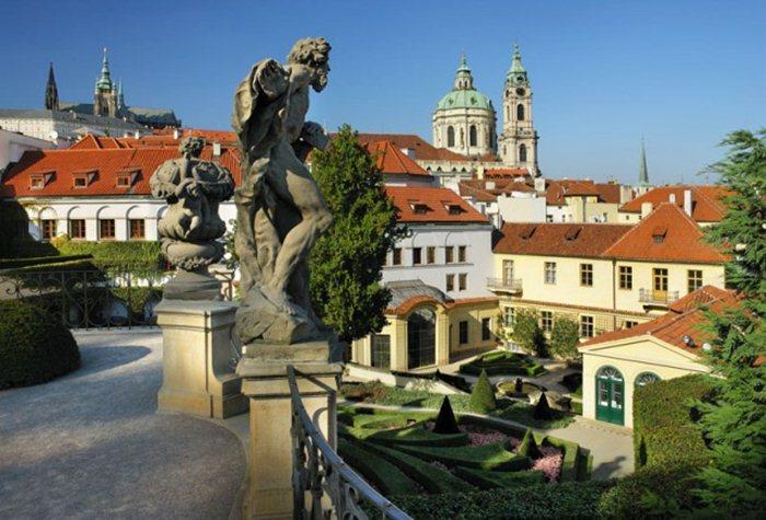 Чехия: туры в Прагу из Москвы, цены на путевки в 2017 году.
