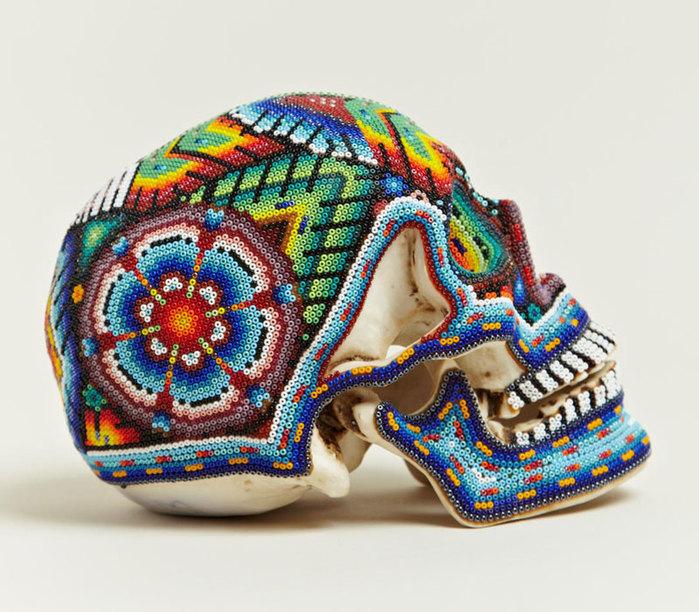 черепа покрытые бисером 7 (700x612, 131Kb)