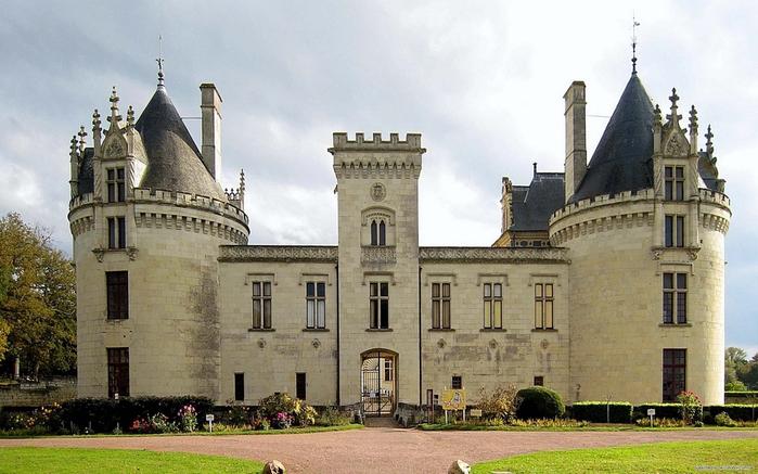 замок брэн (700x437, 250Kb)