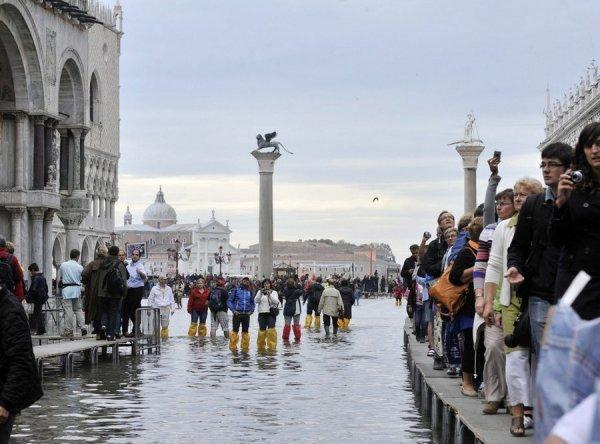 венеция тонет фото 4 (600x444, 57Kb)