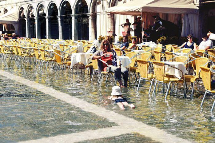 венеция тонет фото 14 (700x466, 100Kb)