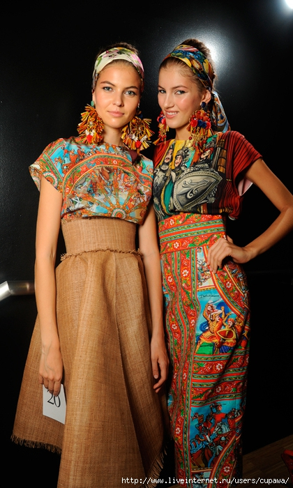 dolce‐and‐gabbana‐ss‐2013‐women‐fashion‐show‐runway‐backstage‐sicily‐folk‐photo‐052[1] (420x700, 265Kb)