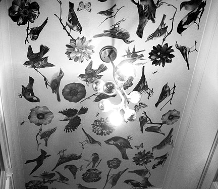 Как украсить потолок своими руками