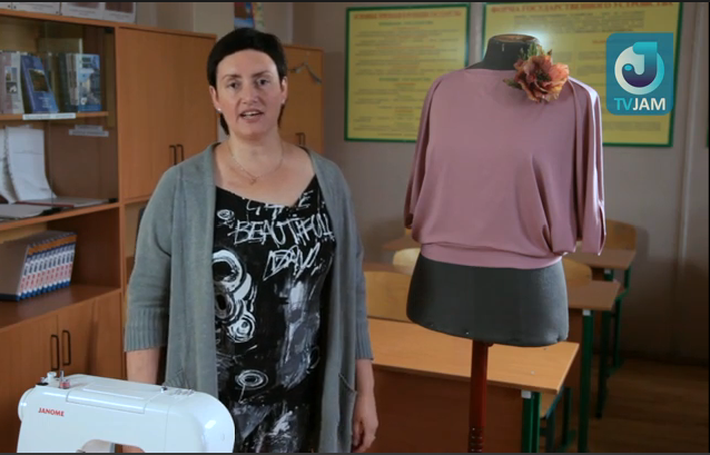 Простая блузка из круга