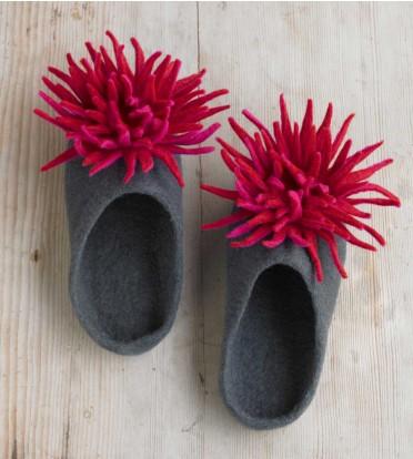 zm_chrysanthemum-slippers (372x414, 42Kb)