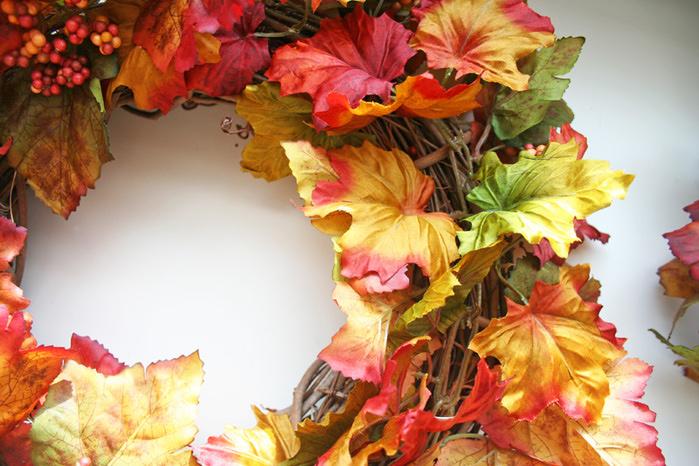 Венок из листьев осенних своими руками 112