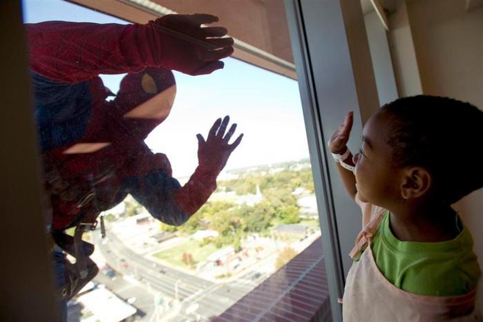 Мытье окон — работа для супергероев