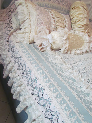 beige pillows 019 (300x400, 49Kb)