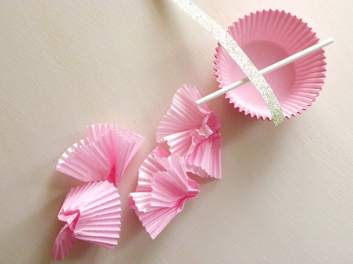 diy cupcake liner flags 023 (700x525, 263Kb)
