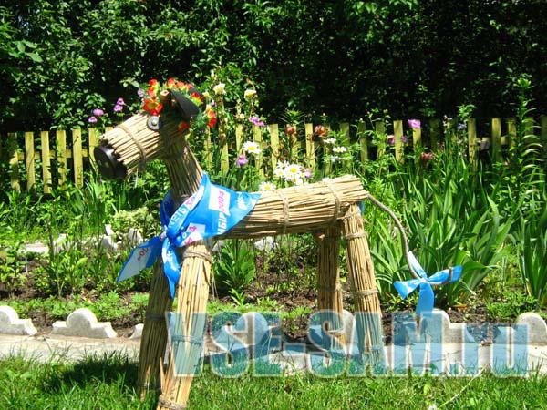 Поделки для сада и огорода своими руками - из бутылок, шин, видео