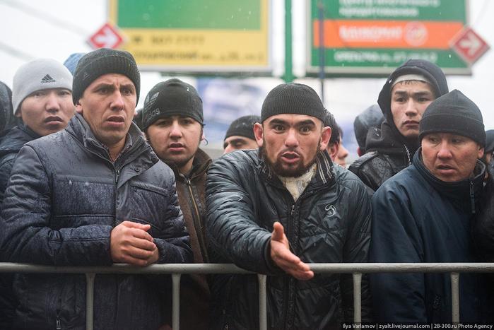 Донецкие сепаратисты вновь вышли на митинг и уже успели обругать матом журналистов - Цензор.НЕТ 9173