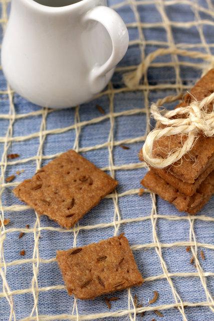 Ржаные хлебцы и крекеры с семенами льна./3414243_img3552bx (427x640, 147Kb)