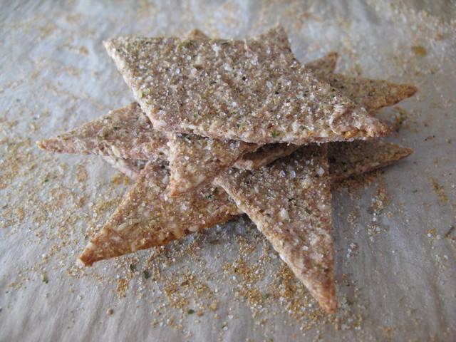 Ржаные Многозерновые Крекеры (бездрожжевые) - Crispy Rye and Seed Crackers, Peter Reinhart/3414243_arx1266253523i (640x480, 112Kb)
