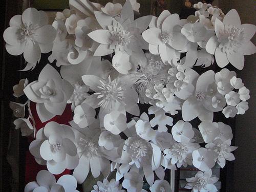 Как сделать цветок из бумаги на стену своими руками