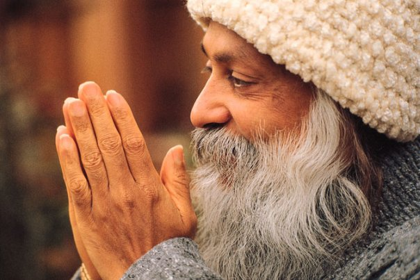Satsang with Osho and Livemusic with humming and mantra, Osho talk