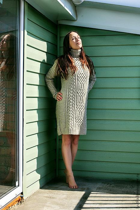 Свитер-платье с аранами.