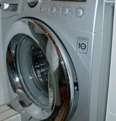 Как очистить дренажный фильтр стиральной машины.  Полтора года назад купил стиральную машину автомат...