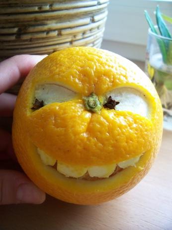 Шкодный апельсин.