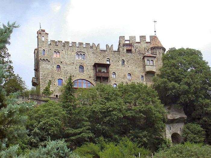 замок фонтана (700x525, 208Kb)