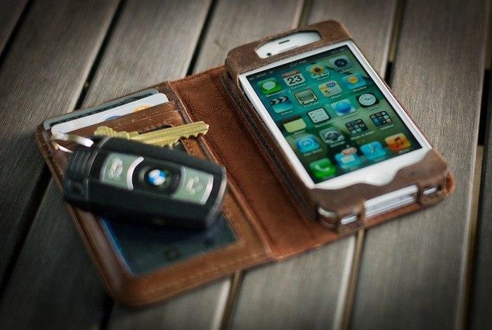 стильный чехол для айфона/4171694_chehol_dlya_iPhone_4 (700x470, 66Kb)