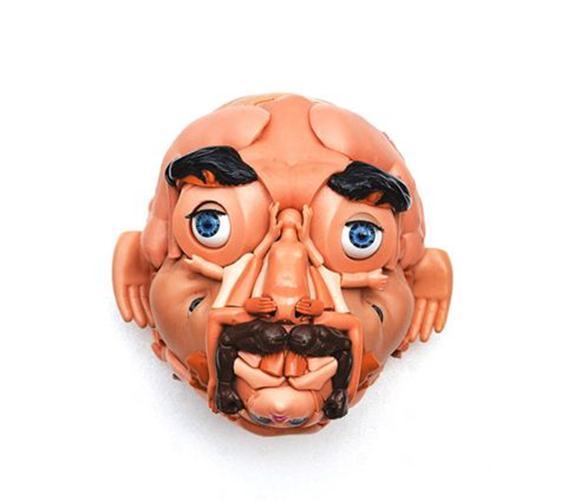 Фрея Джоббинс. Скульптуры из игрушек