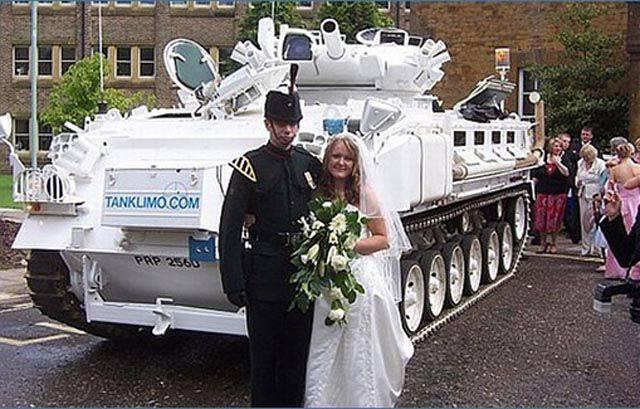 1318970310_the_weirdest_and_most_creative_weddings_640_30 (640x409, 63Kb)