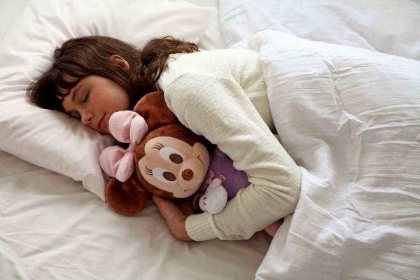 Hug Dream Minnie игрушка от бессонницы 1 (600x400, 64Kb)