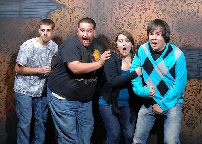смешные фото людей фабрика страха (700x498, 136Kb)
