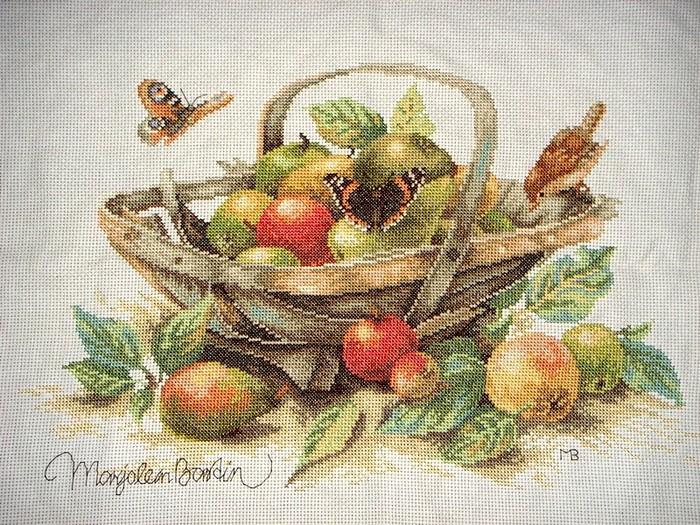 «Корзина с фруктами»(вышивка
