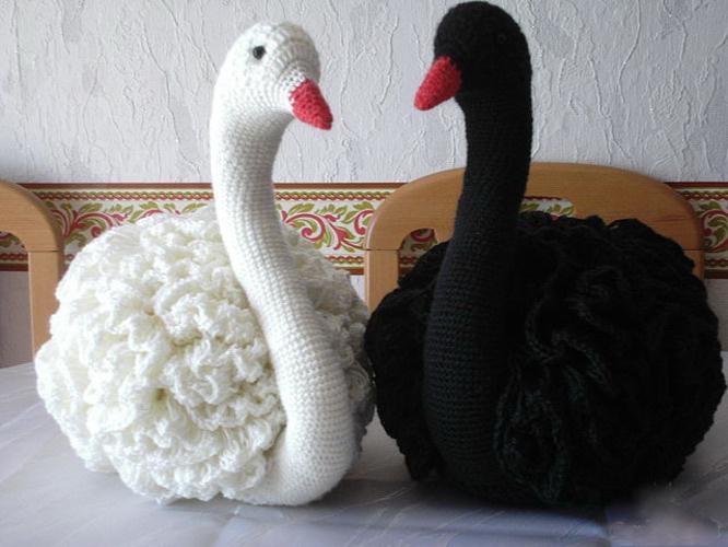 """Вязаные игрушки: """"Лебедь"""""""