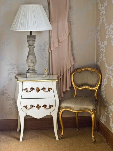4497432_goldentrenddecoratingbedroomfurniture5 (450x600, 67Kb)