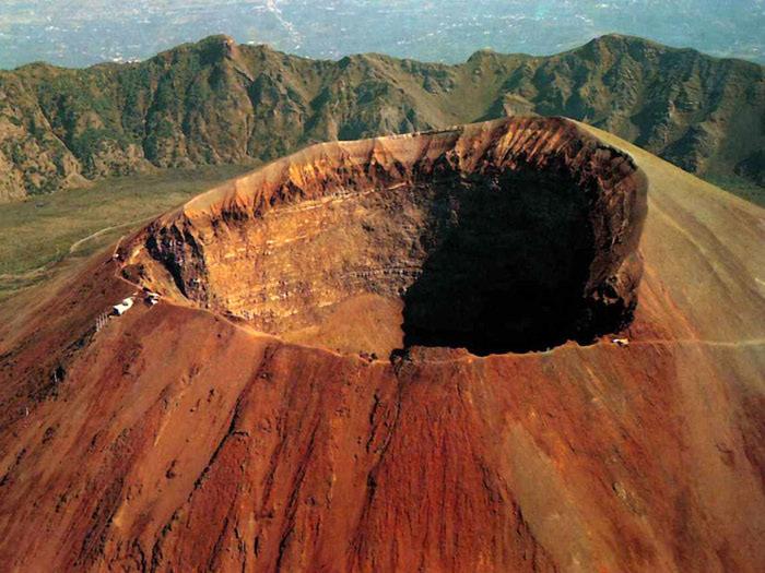 vulkan-vezuviy (700x525, 124Kb)