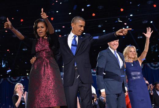 Барак Обама и его сторонники празднуют победу