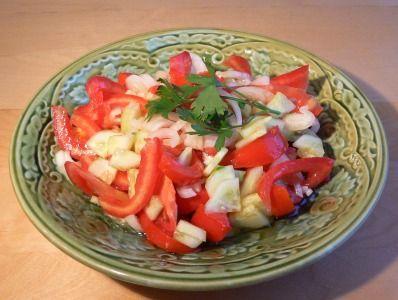 salat-iz-svezhix-ogurcov-i-pomidorov (398x300, 25Kb)