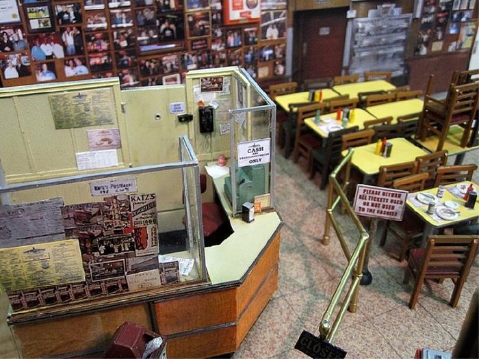 Миниатюрное кафе 'Деликатесы у Катца' ('Katz's Delicatessen')