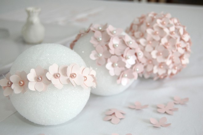 Цветы из кожи кФото шаров на елку