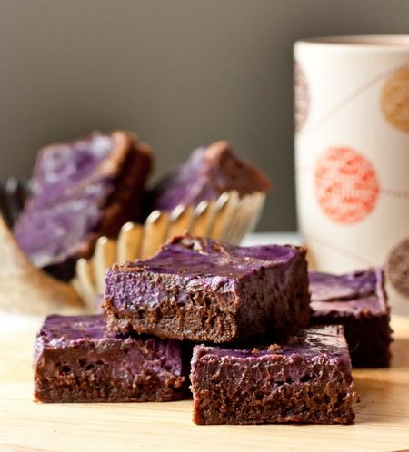 шоколадный брауни рецепт с черникой-хв2
