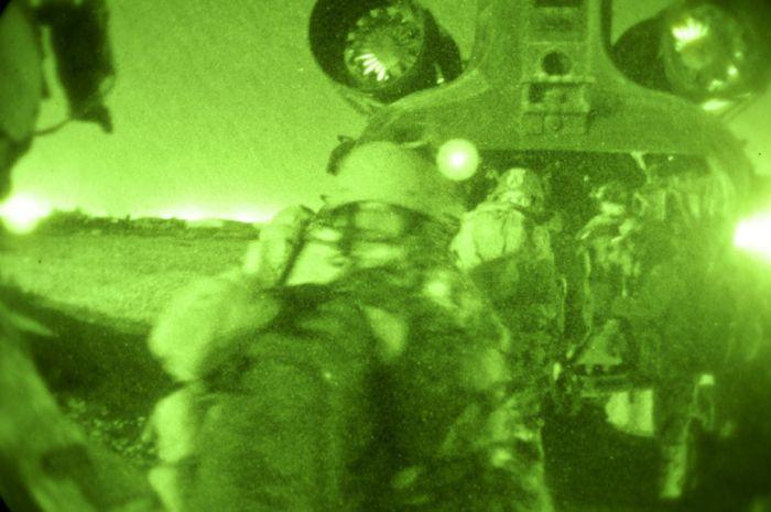 Ночное видение. Военные фотографии(700x465, 47Kb)