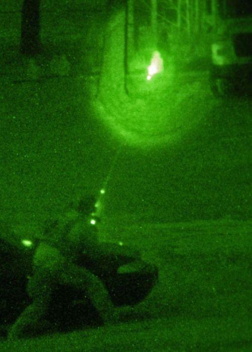 Ночное видение. Военные фотографии(500x700, 45Kb)
