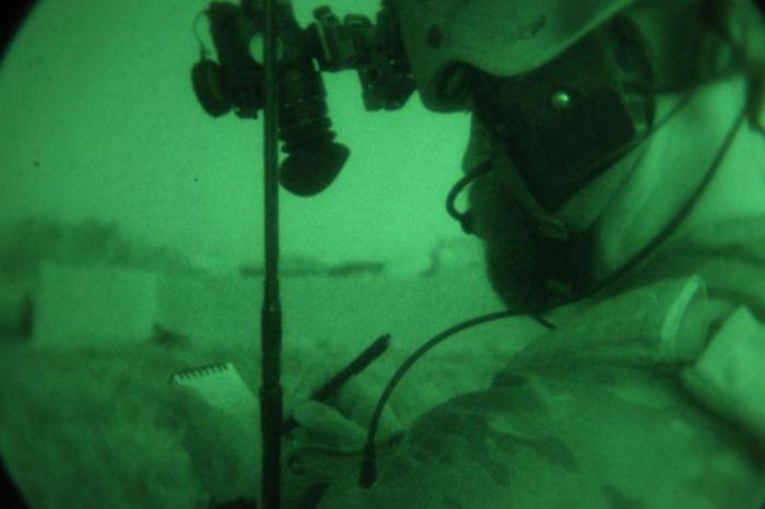 Ночное видение. Военные фотографии(700x466, 28Kb)