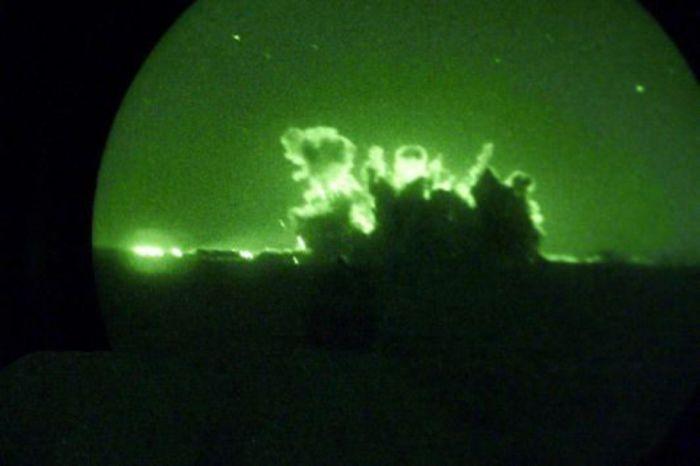 Ночное видение. Военные фотографии(700x466, 24Kb)